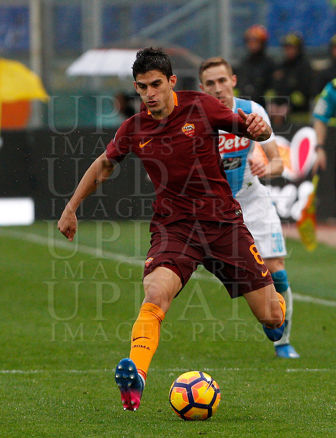 Roma's Diego Perotti in actionduring the Italian Serie A football match between Roma and Napoli at Rome's Olympic stadium, 4 March 2017. <br /> UPDATE IMAGES PRESS/Riccardo De Luca