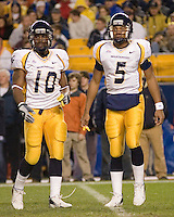 16 November 2006: WVU running back Steve Slaton (10) and quarterback Pat White (5)..The West Virginia Mountaineers defeated the Pitt Panthers 45-27 on November 16, 2006 at Heinz Field, Pittsburgh, Pennsylvania.
