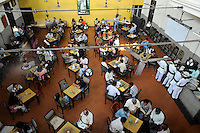 INDIA Westbengal Calcutta Kolkata, Indian Coffee House with image of poet Tagore, near University / INDIEN Westbengalen Megacity Kolkata Kalkutta, Indian Coffee House mit Bild von Dichter Tagore, im Uni Viertel