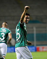 PALMIRA -COLOMBIA-27-05-2017. Fabian Sambueza jugador del Deportivo Cali celebra después de anotar un gol a Millonarios durante partido por la fecha 20 de la Liga Aguila I 2017 jugado en el estadio Palmaseca de la ciudad de Palmira. / Fabian Sambueza player of Deportivo Cali celebrates after scoring a goal to Envigado FC during match for the date 20 of the Aguila League I 2017 played at Palmaseca stadium in Palmira city.  Photo: VizzorImage/ Nelson Rios /Cont