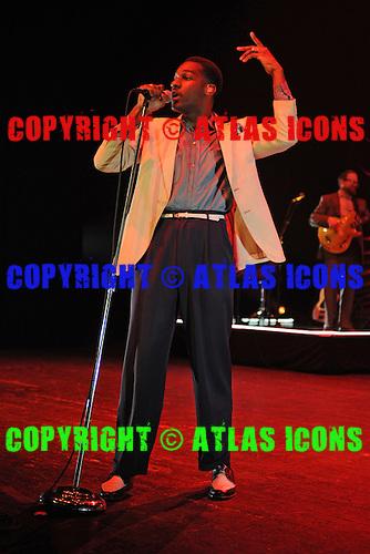 MIAMI BEACH, FL - SEPTEMBER 13: Leon Bridges performs at the Fillmore on September 13, 2016 in Miami Beach, Florida. Credit Larry Marano © 2016