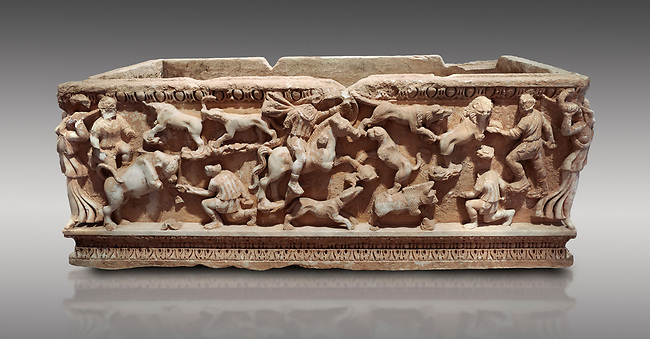 Roman relief sculpted sarcophagus with hunting scene, 2nd century AD, Perge, inv A167. Antalya Archaeology Museum, Turkey