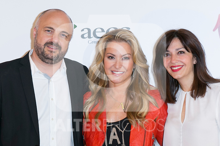"""Javi Nieves (left) US singer ANASTACIA (Center) and Mar Amate (Right) at the presentation of her new album """"Resurrection"""" an the Charity Concert """"Por Ellas"""" at the Spanish Against Cancer Asociation (AECC) building in Madrid, Spain. May 20, 2014. (ALTERPHOTOS/Carlos Dafonte)"""