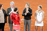 Simona Halep, Roumania, celebrates the victory in the Madrid Open Tennis 2016 Final match with the Nadia Elena Comaneci, former Romanian gymnast in presence of Slovakia's Dominika Cibulkova, Finalist .May, 7, 2016.(ALTERPHOTOS/Acero)a