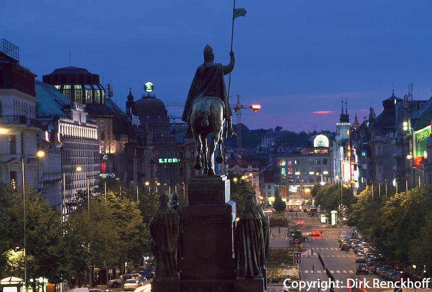 Wenzelsplatz (Vaclavske namesti), Denkmal des heiligen Wenzel von Josef Myslbek, Prag, Tschechien, Unesco-Weltkulturerbe