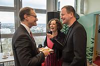 """Pressekonferenz des Regierenden Buergermeisters, Michael Mueller (SPD) und der Buergermeisterin Ramona Pop (Buendnis 90/Die Gruenen) sowie dem Buergermeister Dr. Klaus Lederer (Linkspartei) zum Thema """"Zweieinhalb Jahre Rot-Rot-Gruen"""".<br /> Im Bild vlnr.: Michael Mueller, Ramona Pop, Klaus Lederer.<br /> 5.3.2019, Berlin<br /> Copyright: Christian-Ditsch.de<br /> [Inhaltsveraendernde Manipulation des Fotos nur nach ausdruecklicher Genehmigung des Fotografen. Vereinbarungen ueber Abtretung von Persoenlichkeitsrechten/Model Release der abgebildeten Person/Personen liegen nicht vor. NO MODEL RELEASE! Nur fuer Redaktionelle Zwecke. Don't publish without copyright Christian-Ditsch.de, Veroeffentlichung nur mit Fotografennennung, sowie gegen Honorar, MwSt. und Beleg. Konto: I N G - D i B a, IBAN DE58500105175400192269, BIC INGDDEFFXXX, Kontakt: post@christian-ditsch.de<br /> Bei der Bearbeitung der Dateiinformationen darf die Urheberkennzeichnung in den EXIF- und  IPTC-Daten nicht entfernt werden, diese sind in digitalen Medien nach §95c UrhG rechtlich geschuetzt. Der Urhebervermerk wird gemaess §13 UrhG verlangt.]"""