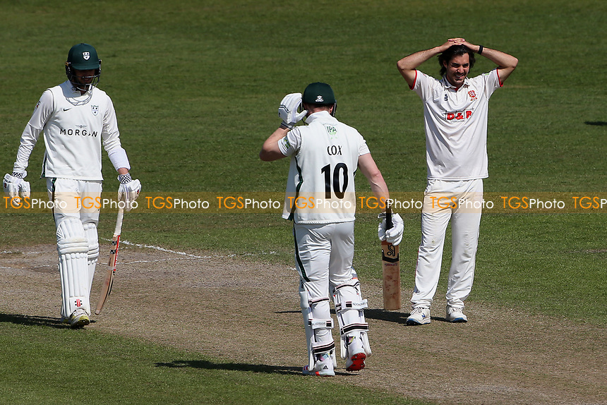 Frustration for Shane Snater of Essex during Worcestershire CCC vs Essex CCC, LV Insurance County Championship Group 1 Cricket at New Road on 2nd May 2021