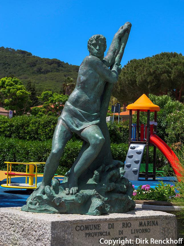 Kennedy-Denkmal am Hafen, Cavo, Elba, Region Toskana, Provinz Livorno, Italien, Europa<br /> Kennedy-monument atport of Cavo, Elba, Region Tuscany, Province Livorno, Italy, Europe