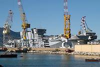 - the Cavour aircraft carrier under construction at Fincantieri shipyards  of Muggiano (La Spezia)....- la portaerei Cavour in costruzione presso i cantieri navali  Fincantieri di Muggiano (La Spezia)