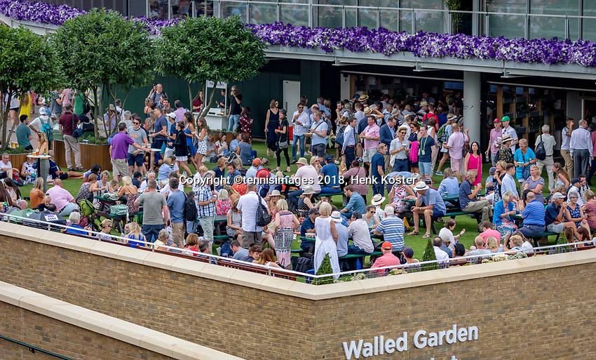 London, England, 4 th. July, 2018, Tennis,  Wimbledon, Walled Garden<br /> Photo: Henk Koster/tennisimages.com