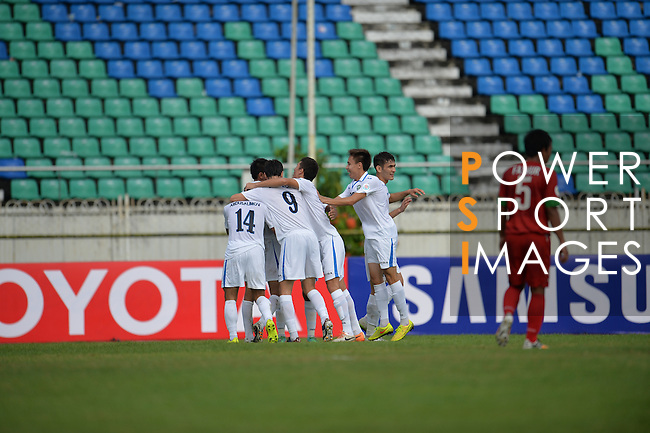 Uzbekistan vs Indonesia during the 2014 AFC U19 Mens Championship group B match on October 10, 2014 at the Thuwunna Stadium, in Yangon, Myanmar. Photo by World Sport Group