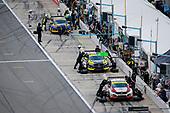 #73 LA Honda World Racing Honda Civic TCR, TCR: Mike LaMarra, Mathew Pombo pit stop