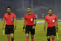 RIONEGRO -COLOMBIA, 15-11-2020:Carlos Ortega Jaimes referee central. Aguilas Doradas Rionegro y Deportivo Cali en partido por la fecha 20 de la Liga BetPlay DIMAYOR I 2020 jugado en el estadio Alberto Grisales de Rionegro /  Carlos Ortega Jaimes central referee.Aguilas Doradas Rionegro and Deportivo Cali in match for the date 20 BetPlay DIMAYOR League I 2020 played at Alberto Grisales stadium in Rionegro. Photo: VizzorImage/ Juan Augusto Cardona / Contribuidor