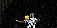 Calcio, Serie A:  Bologna vs Juventus. Bologna, stadio Renato Dall'Ara, 19 febbraio 2016. <br /> Juventus' Paul Pogba stops the ball during the Italian Serie A football match between Bologna and Juventus at Bologna's Renato Dall'Ara stadium, 19 February 2016.<br /> UPDATE IMAGES PRESS/Isabella Bonotto