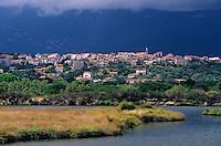 Europe/France/Corse/2A/Corse-du-Sud/Porto-Vecchio: Vue général du village
