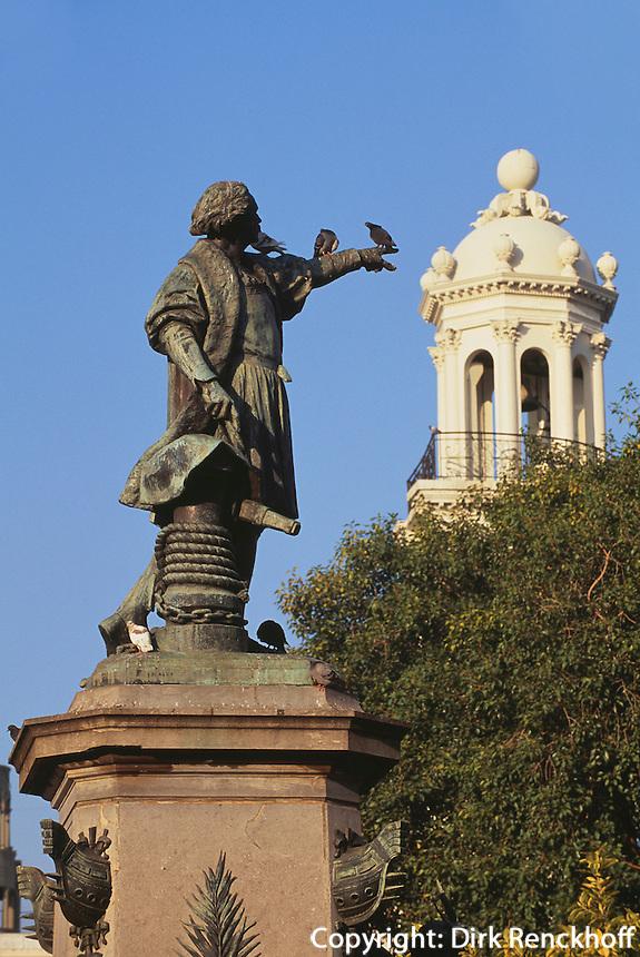 Kolumbusdenkmal am Parque de Colon in Santo Domingo, Dominikanische Republik, UNESCO-Weltkulturerbe