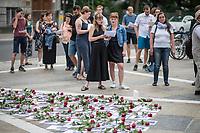 """Am Sonntag den 22. Juli 2018 fand in Berlin auf Initiative der Jugendorganisation """"Falken"""" vor der norwegischen Botschaft ein Gedenken an die Opfer des Massakers von Utoeya und Oslo statt. Der norwegische Rechtsextremist hatte am 22. Juli 2011 in Oslo mit einer Autobombe vor dem Parlament acht Menschen getoetet und anschliessen, als Polizist verkleidet, auf der Insel Utoeya 69 Jugendliche ermordet. Auf Utoeya fand ein Ferienlager der sozialistischen Jugendorganisation """"AUF"""" statt.<br /> Vor der Botschaft wurden Portraits der 77 Opfer ausgelegt.<br /> 22.7.2018, Berlin<br /> Copyright: Christian-Ditsch.de<br /> [Inhaltsveraendernde Manipulation des Fotos nur nach ausdruecklicher Genehmigung des Fotografen. Vereinbarungen ueber Abtretung von Persoenlichkeitsrechten/Model Release der abgebildeten Person/Personen liegen nicht vor. NO MODEL RELEASE! Nur fuer Redaktionelle Zwecke. Don't publish without copyright Christian-Ditsch.de, Veroeffentlichung nur mit Fotografennennung, sowie gegen Honorar, MwSt. und Beleg. Konto: I N G - D i B a, IBAN DE58500105175400192269, BIC INGDDEFFXXX, Kontakt: post@christian-ditsch.de<br /> Bei der Bearbeitung der Dateiinformationen darf die Urheberkennzeichnung in den EXIF- und  IPTC-Daten nicht entfernt werden, diese sind in digitalen Medien nach §95c UrhG rechtlich geschuetzt. Der Urhebervermerk wird gemaess §13 UrhG verlangt.]"""