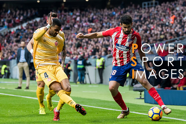 Diego Costa (R) of Atletico de Madrid competes for the ball with Jonas Ramalho Chimeno of Girona FC during the La Liga 2017-18 match between Atletico de Madrid and Girona FC at Wanda Metropolitano on 20 January 2018 in Madrid, Spain. Photo by Diego Gonzalez / Power Sport Images