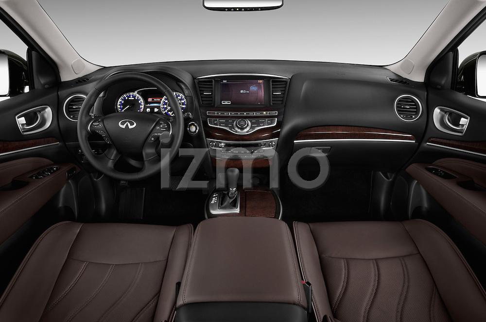 Straight dashboard view of 2013 Infiniti QX35 / JX35