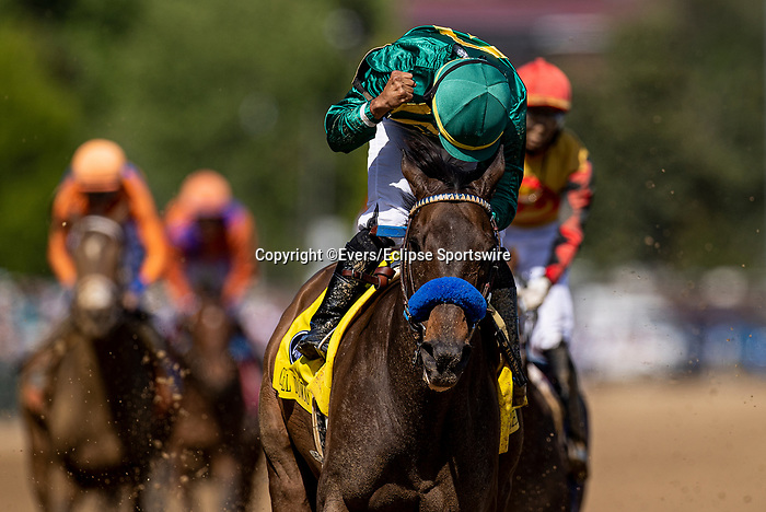 MAY 01, 2021: Flagstaff with Luis Saez (green) defeats Whitmore and Ricardo Santana to win the Churchill Downs at Churchill Downs in Louisville, Kentucky on May 1, 2021. EversEclipse Sportswire/CSM