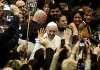 Papa Francesco saluta i fedeli al suo arrivo all'udienza generale del mercoledi' in aula Paolo VI in Vaticano, 15 febbraio 2017.<br /> Pope Francis waves faithful as he arrives to lead  his weekly general audience in Paul VI Hall at the Vatican, on February 15, 2017.<br /> UPDATE IMAGES PRESS/Isabella Bonotto<br /> <br /> STRICTLY ONLY FOR EDITORIAL USE