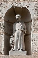Europe/France/Aquitaine/24/Dordogne/Bergerac: Statue de Bacchus à la façade du Musée régional du Vin et de la batellerie