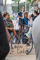 Kundgebung am Montag den 1. Juni 2019 vor der italienischen Botschaft in Berlin fuer die Freilassung der am 29. Juni in Italien verhafteten Seawatch Kapitaenin Carola Rakete. Die Kapitaenin der Seenotrettungsorganisation war am 29. Juni gegen den Willen der italienischen Regierung auf der Mittelmeerinsel Lampedusa, mit 40 aus Seenot geretteten Fluechtlingen, im Hafen angelegt und war daraufhin festgenommen worden.<br /> 1.7.2019, Berlin<br /> Copyright: Christian-Ditsch.de<br /> [Inhaltsveraendernde Manipulation des Fotos nur nach ausdruecklicher Genehmigung des Fotografen. Vereinbarungen ueber Abtretung von Persoenlichkeitsrechten/Model Release der abgebildeten Person/Personen liegen nicht vor. NO MODEL RELEASE! Nur fuer Redaktionelle Zwecke. Don't publish without copyright Christian-Ditsch.de, Veroeffentlichung nur mit Fotografennennung, sowie gegen Honorar, MwSt. und Beleg. Konto: I N G - D i B a, IBAN DE58500105175400192269, BIC INGDDEFFXXX, Kontakt: post@christian-ditsch.de<br /> Bei der Bearbeitung der Dateiinformationen darf die Urheberkennzeichnung in den EXIF- und  IPTC-Daten nicht entfernt werden, diese sind in digitalen Medien nach §95c UrhG rechtlich geschuetzt. Der Urhebervermerk wird gemaess §13 UrhG verlangt.]