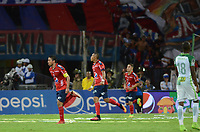 MEDELLÍN -COLOMBIA-28-05-2017: Christian Marrugo (Izq) del Medellín celebra después de anotar un gol al Nacional durante el encuentro entre Independiente Medellín y Atletico Nacional por la fecha 20 de la Liga Águila I 2017 jugado en el estadio Atanasio Girardot de la ciudad de Medellín. / Christian Marrugo (L) of Medellin celebrates after scoring a goal to Nacional during match between Independiente Medellin and Atletico Nacional for date 20 of the Aguila League I 2017 at Atanasio Girardot stadium in Medellin city. Photo: VizzorImage/ León Monsalve / Cont