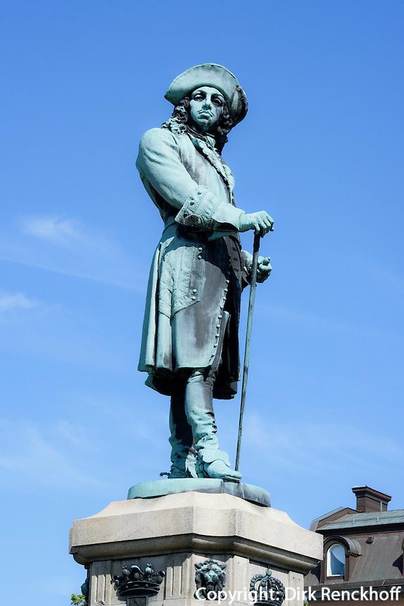 Denkmal Karl XI. am Stortorget in Karlskrona, Provinz Blekinge, Schweden, Europa, UNESCO-Weltkulturerbe<br /> Monument KarlXI at Stortorget  in Karlskrona, Province Blekinge, Sweden