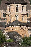 Europe/France/Midi-Pyrénées/12/Aveyron/Conques: L'abbatiale Sainte-Foy _ Le chevet et le clocher