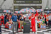 #18: Kyle Busch, Joe Gibbs Racing, Toyota Camry Skittles victory lane sword