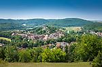 Deutschland, Bayern, Mittelfranken, Naturpark Altmuehltal, Pappenheim: Stadtansicht mit Burg Pappenheim | Germany, Bavaria, Middle Franconia, Nature Park Altmuehl Valley, Pappenheim: town view with Pappenheim Castle