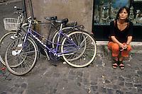 Barbara Balzerani è una terrorista italiana.È stata un importante membro delle Brigate Rosse, soprannominata Primula Rossa. Negli ultimi anni ha pubblicato due libri: 'Compagna Luna' e 'La sirena delle cinque'..Barbara Balzerani is an Italian terrorist. It was an important member of the Red Brigades, nicknamed Primula Rossa. In recent years he has published two books: 'Compagna Luna' and 'La sirena delle cinque'...