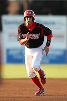 Batavia Muckdogs first baseman Geoff Klein (32) during a game vs. the Lowell Spinners at Dwyer Stadium in Batavia, New York July 16, 2010.   Batavia defeated Lowell 5-4 with a walk off RBI single in the bottom of the 9th inning.  Photo By Mike Janes/Four Seam Images