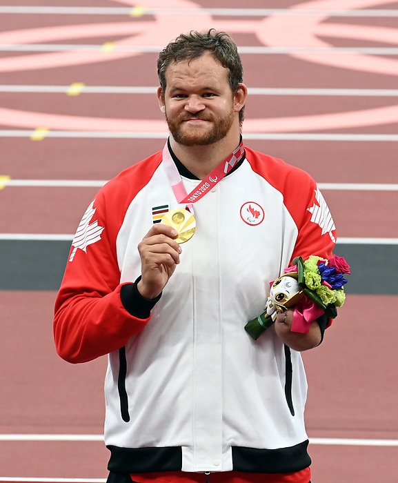 Greg Stewart, Tokyo 2020 - Para Athletics // Para-athlétisme.<br /> Greg Stewart wins the gold medal in the Men's Shot Put - F46 Final // Greg Stewart gagne le médaille d'or au lancer du poids masculin - Finale F46. 08/31/2021.