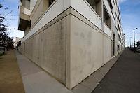 Angles du mail Leon Blum (axe majeur de Saint-Jacques-centre) et de la rue M. Yourcenar, centre de gravite de Saint-Jacques-centre