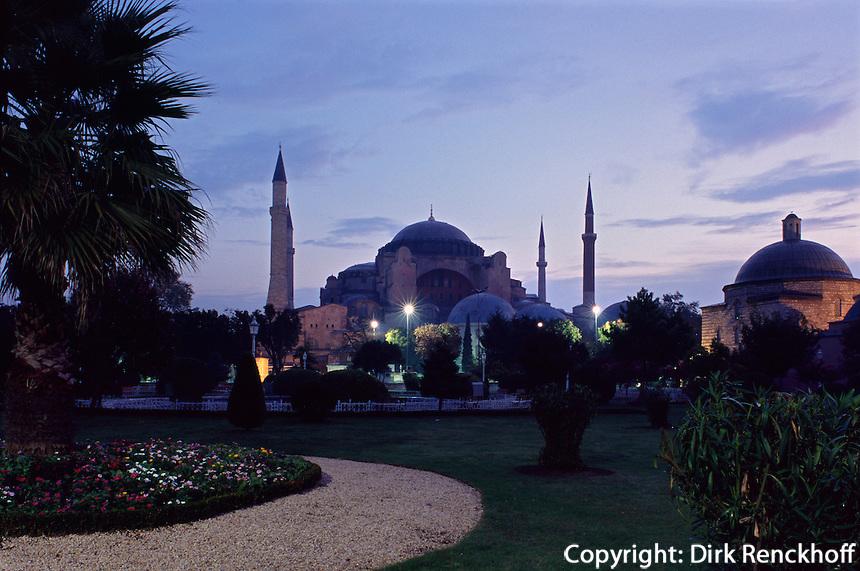 Türkei, Hagia Sophia (Aya Sofya) in Istanbul erbaut 531-537 als christliche Kirche, später Moschee, heute Museum, Unesco-Weltkulturerbe
