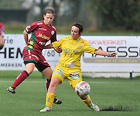 Dames Zulte Waregem - WB Sinaai Girls : duel tussen Athina Vercaemer (links) en Dana De Boeck<br /> foto David Catry / VDB