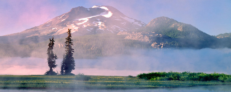 Sparks lake at sunrise with fog. Oregon