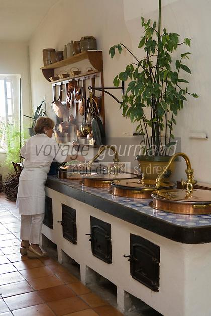 Europe/France/Aquitaine/33/Gironde/Saint-Yzans-de-Médoc : Château  Loudenne, Médoc Cru Bourgeois- la Cuisine des Vendanges et ses cuivres