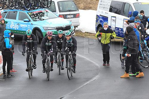 24th May 2021, Giau Pass, Italy; Giro d'Italia, Tour of Italy, route stage 16, Sacile to Cortina d'Ampezzo ; Peter Sagan (SVK) with team mates