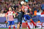 Atletico de Madrid's Augusto Fernandez (r) and FC Bayern Munchen's Thiago Alcantara during Champions League 2015/2016 Semi-Finals 1st leg match. April 27,2016. (ALTERPHOTOS/Acero)