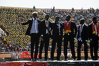 BURKINA FASO, soccer fans during reception of the national football team of Burkina Faso as 2nd placed winner of the Africa Cup 2013 in Stadium in Ouagadougou, player Aristide Bance, left /.BURKINA FASO Ouagadougou, begeisterte fans empfangen die burkinische Fussball Nationalmannschaft als zweitplazierten des Afrika Cup 2013 im Stadium, Spieler Aristide Bance, links