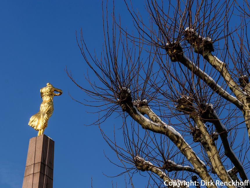 Mahnmal Gëlle Fra auf der Place de la Constitutio, Luxemburg-City, Luxemburg, Europa<br /> Memorial Gëlle Fra on Place de la Constitutio, Luxembourg City, Europe, UNESCO Heritage Site