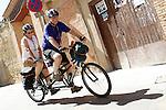 Viana.Navarra.Espana.Viana.Navarra.Spain.Dos peregrinos pasean en una bicicleta tandem..Two pilgrims walking in a tandem bicycle..(ALTERPHOTOS/Alfaqui/Acero)