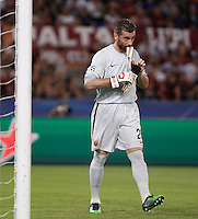 Calcio, Champions League, Gruppo E: Roma vs Barcellona. Roma, stadio Olimpico, 16 settembre 2015.<br /> Roma's goalkeeper Morgan De Sanctis during a Champions League, Group E football match between Roma and FC Barcelona, at Rome's Olympic stadium, 16 September 2015.<br /> UPDATE IMAGES PRESS/Isabella Bonotto<br /> <br /> *** ITALY AND GERMANY OUT ***