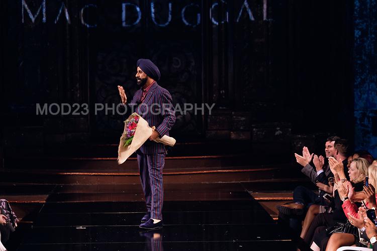 MAC DUGGAL New York Fashion Week Arts Hearts Fall Winter 2018