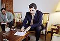 Irak 2000.Nechirvan Barzani avec Falah Mustafa Bakir.             Iraq 2000.Nechirvan Barzani with Falah Mustafa Bakir
