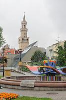 Brunnen beim Heldendenkmal in Opole (Oppeln), Woiwodschaft Oppeln (Województwo opolskie), Polen, Europa<br /> Fountain near monument of heroes in Opole, Poland, Europe