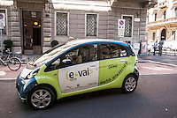 "Milano, car sharing e-vai --- Milan, ""e vai"" car sharing"